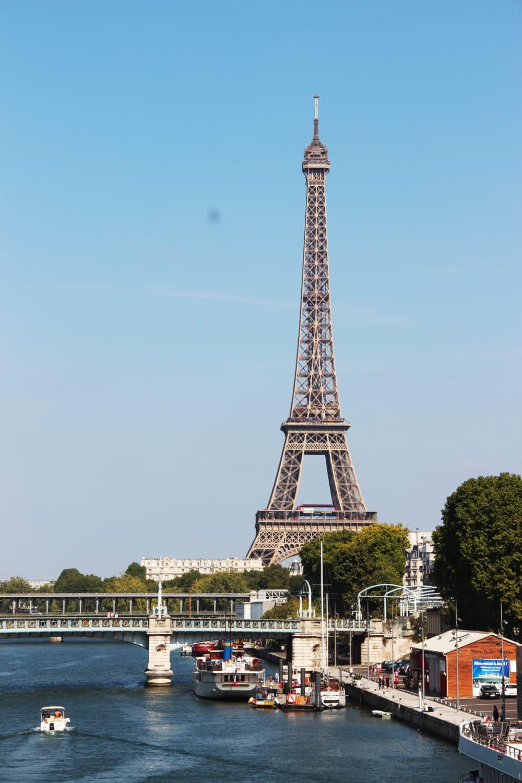 paris yacht marina proche de la tour eiffel